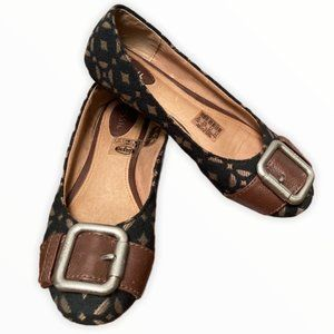 Fossil Ballet Flats with Buckle - 6.5M